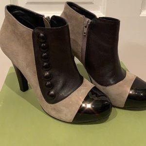 Gianni Bini Dixon Bootie Stone/Black Size 8